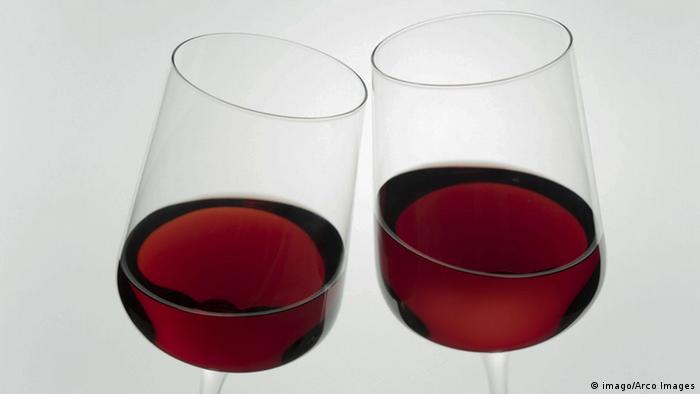 Gläser mit Rotwein (imago/Arco Images)