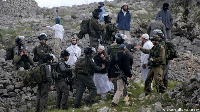 Ultraorthodoxe Juden in Burin im Februar 2013 (Foto: AP)