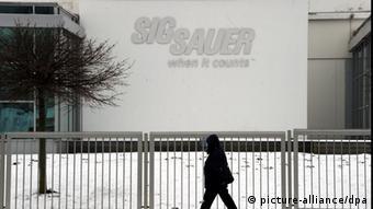 Symbolbild Illegale Exporte Waffenfirma Sig Sauer (Foto: Picture-alliance/dpa)