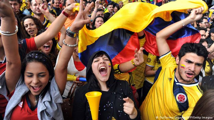 Kolumbien Bogota Jubel WM 2014 Fans (Guillermo Legaria/AFP/Getty Images)