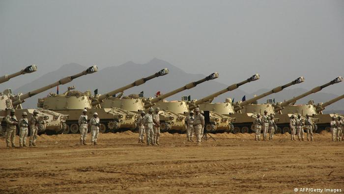 أرشيف: صورة لجنود سعوديين في جيزان أقصى الجنوب الغربي للمملكة (يناير/ كانون الأول 2010)