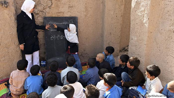 UN Millenniumsziele Schule in Afghanistan (UN Photo/Shehzad Noorani)