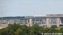 Ukraine-Krise Zerstörter Flughafen von Donezk