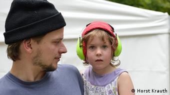 Vater mit Kind Foto: Horst Krauth