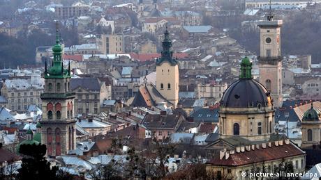 Мовні пристрасті у Львові: правозахисники критикують рішення облради