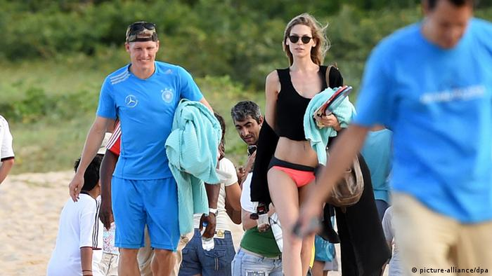 Fußball WM 2014 - Bastian Schweinsteiger mit Freundin
