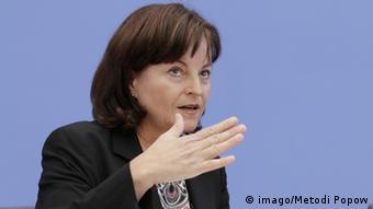 Marlene Mortle, die Drogenbeauftragte der Bundesregierung, bei der Vorstellung des Drogen- und Suchtberichts 2014 (Foto: imago/Metodi Popow)