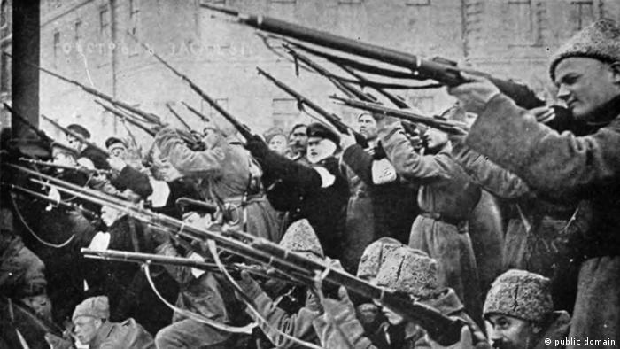 Russische Revolution 1917 Februarrevolution (public domain)