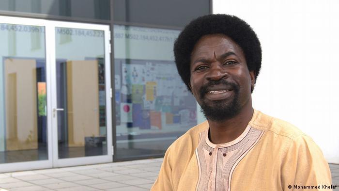 Dk. Aldin Mutembei wa Taasisi ya Taaluma za Kiswahili ya Chuo Kikuu