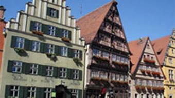 Deutsches Haus (mitte) in Dinkelsbühl