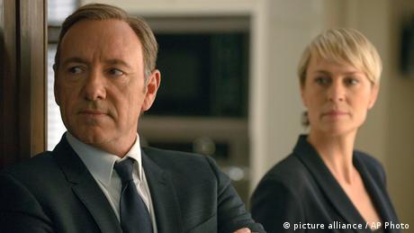Szene aus House of Cards mit den beiden Hauptdarstellern Kevin Spacey und Robin Wright (Foto: picture alliance / AP Photo)