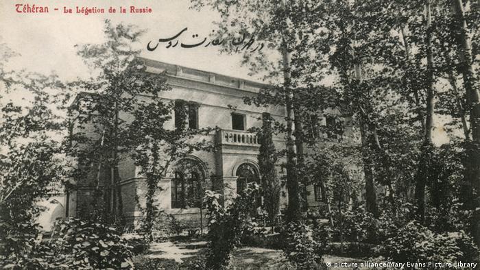 سفارت روسیه در تهران. تاریخ ۱۹۱۰ میلادی.
