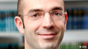 Jonas Schmidt-Chanasit vom Bernhard-Nocht-Institut für Tropenmedizin