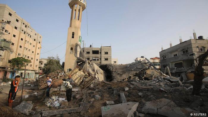 Schäden in Gaza nach einem israelischen Luftangriff, 12.07.2014 - Foto: Ibraheem Abu Mustafa