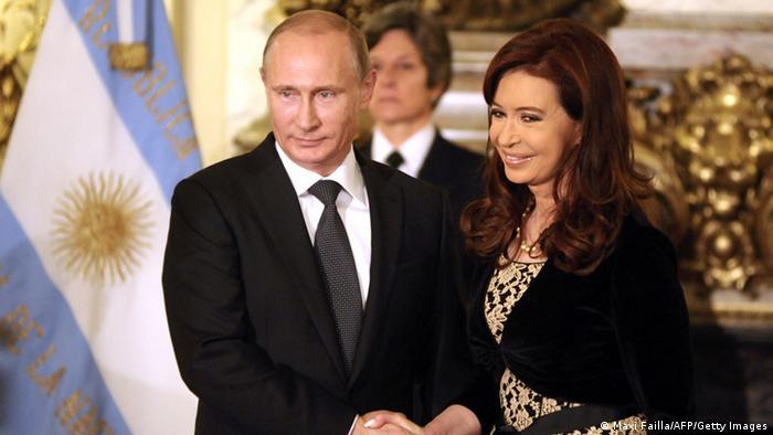 Putin mit argentinischer Präsidentin Kirchner in Buenos Aires 12.07.2014