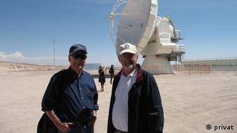El profesor Gieren junto al astrónomo italiano Massimo Tarenghi.