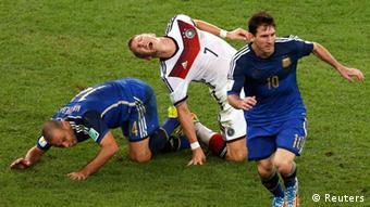 El partido tuvo pierna fuerte.