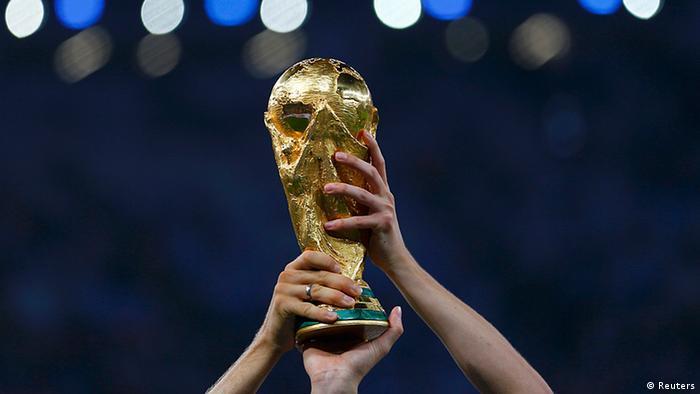 La Copa del Mundo visita a los aficionados