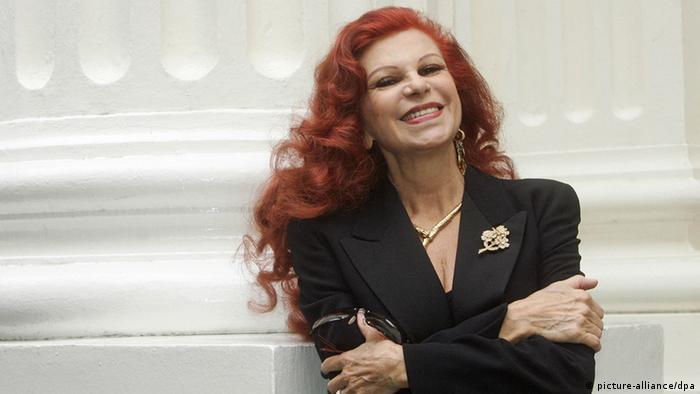 c12c7ac0fa0 ... «Θάλασσα» η Μίλβα έγινε ιδιαίτερα αγαπητή και στην Ελλάδα. Αρκετά  χρόνια νωρίτερα είχε προηγηθεί μια συνεργασία της διάσημης ιταλίδας  τραγουδίστριας ...