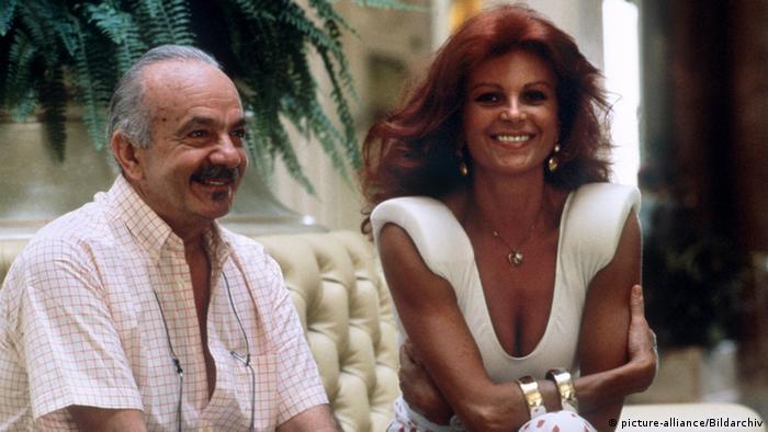 Astor Piazzolla and Italian singer Milva in 1986, smiling.