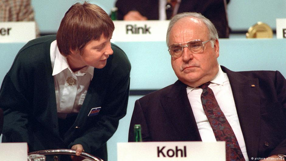 Helmut Kohl embarrassed by ghost writer's new book | DW | 06.10.2014