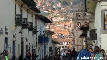 Title: Cusco Bildbeschreibung: Cusco ist die Hauptstadt der gleichnamigen Region und der Provinz Cusco im Zentrum des peruanischen Andenhochlandes. Sie liegt in 3.416 m Höhe und hat 348.935 Einwohner. Sie ist Sitz des Erzbistums Cuzco und einer Universität. Die wechselvolle Geschichte als Hauptstadt des Inkareiches, die Sehenswürdigkeiten in der Umgebung und die Landschaft inmitten der Anden machen sie zum Anziehungspunkt vieler Touristen. Als Ausgangspunkt zu der Inkastadt Machu Picchu ist sie weltbekannt geworden. Stichwörter: UGC, Cusco, Peru, Jahanshah Javid Quelle: Jahanshah Javid Lizenz: Frei