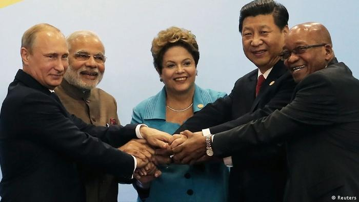 Leaders representing Brazil, Russia, India, China and South Africa attend the VI BRICS Summit in Fortaleza July 15, 2014 (Photo: REUTERS/Nacho Doce)