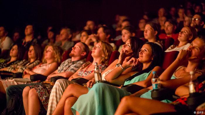 Глядачі під час кінопоказу на Одеському міжнародному кінофестивалі (фото з архіву)