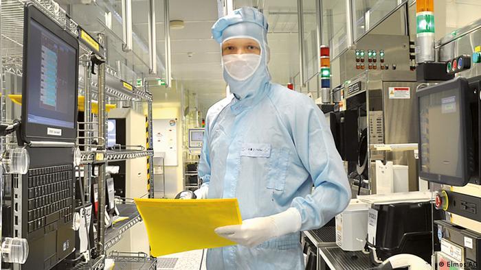 Производство полупроводников на заводе немецкой компании Elmos Semiconductor в Дортмунде
