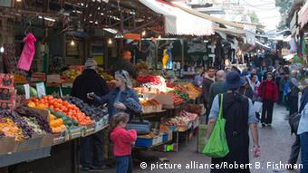 Carmel Markt in Tel Aviv - Carmel Markt in Tel Aviv,Marktstrasse, Foto: Robert B. Fishman, ecomedia, 19.2.2014