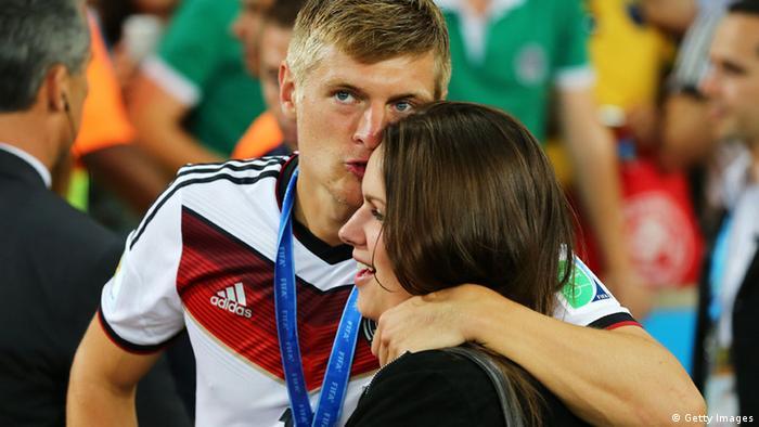 DFB Weltmeisterschaft Spieler und Freundinnen Toni Kroos