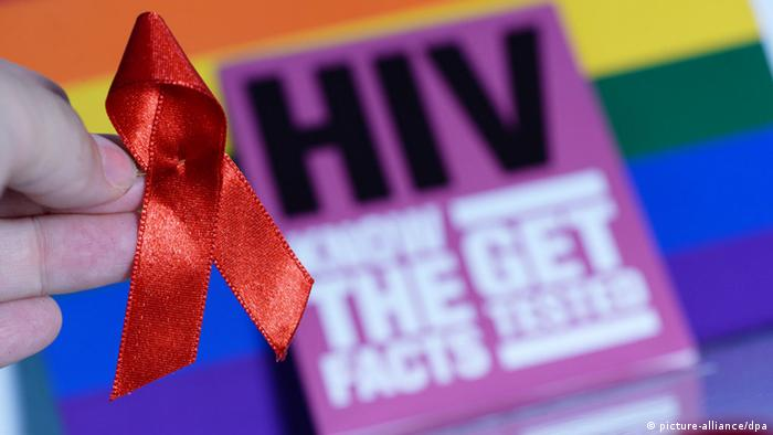 Aids-Schleife. (Photo: dpa - Bildfunk)