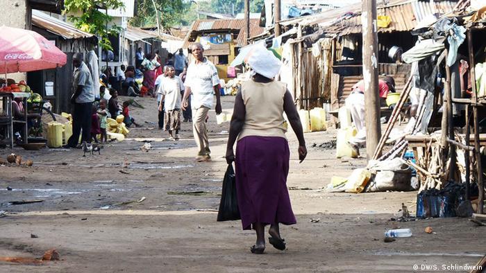 Hauptstraße von Kasensero in Westuganda (Foto: Simone Schlindwein)
