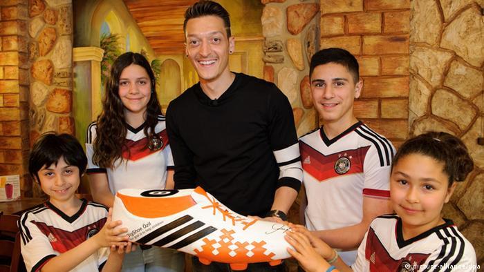 Fußballspieler Mesut Özil vom FC Arsenal