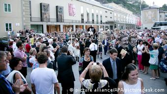 Festive procession before the performance of Everyman at the Salzburg Festival 2014 (c) wildbild - 20140719_PD5106