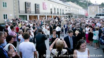 Festive procession before the performance of Everyman at the Salzburg Festival 2014 (c) wildbild - 20140719_PD5106