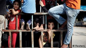 People fleeing in Gaza. (Photo: REUTERS/Finbarr O'Reilly)