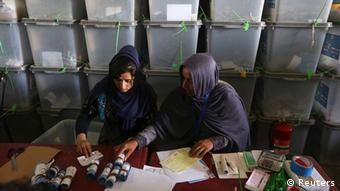 Afghanistan Wahlen Stimmen werden neu ausgezählt