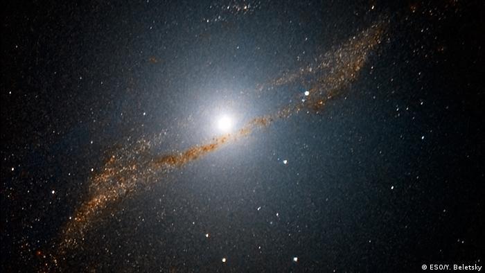 Weltraum Blick ins Innere von Centaurus A (ESO/Y. Beletsky)