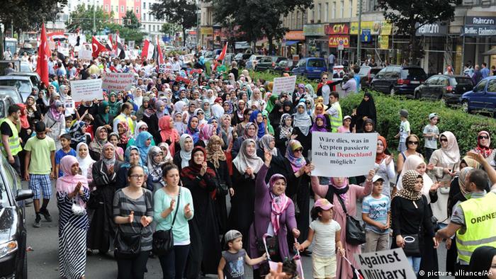 Demonstrationszug beim Al-Quds-Tag in Berlin (Foto: Cuneyt Karadag / Anadolu Agency)