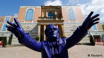 Richard Wagner statue, showing the composer conducting. Statue by Orlowski Ottmar Hoerl. Photo: REUTERS/Ralph