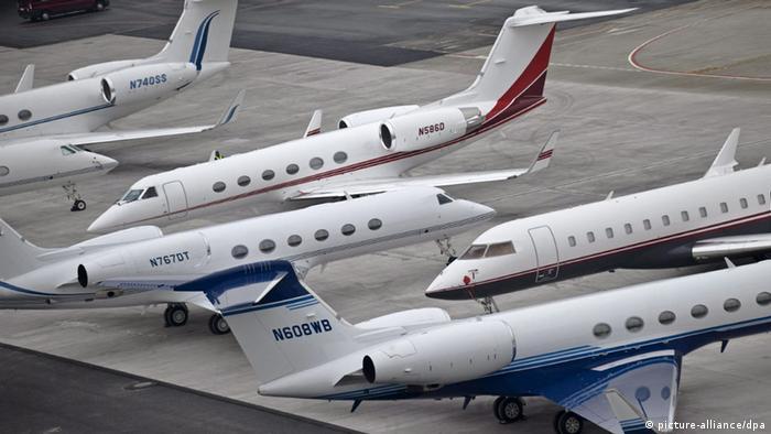 Безкоштовна подорож літаком теж може бути хабарем?