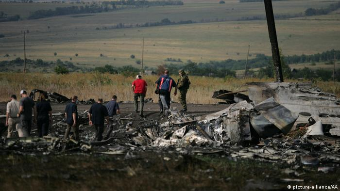 Ukraine MH17 plane wreckage. (Photo: Alexander Ermochenko / Anadolu Agency)
