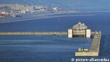 Costa Concordia im Hafen von Genua