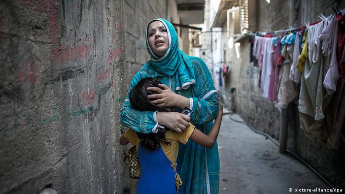 Palästinenser Israel Gaza Frau nach Luftangriff in Gaza City