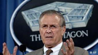 Donald Rumsfeld wie immer unter Beschuß