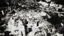 Vista aérea de cidade em ruínas