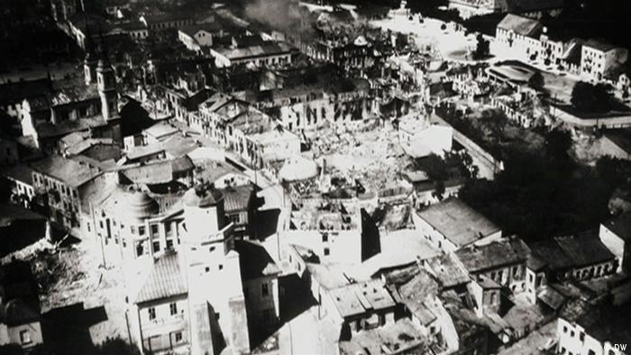 Black and white image of rubble in Wielun