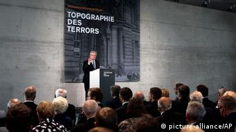 German President Joachim Gauck spoke to veterans and other dignitaries. (Photo: AP Photo/Markus Schreiber)