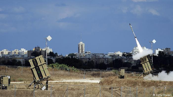 Sistem peluru kendali Iron Dome milik Israel